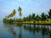 Wedding Anniversary In Kerala Backwaters