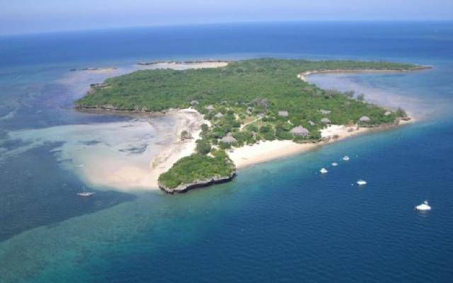 tourism in mozambique Mozambique (/ m o z m b i k / or the country's natural beauty, wildlife, and historic heritage provide opportunities for beach, cultural, and eco-tourism mozambique has a great potential for growth in its gross domestic product (gdp), although its current contribution is only 56.